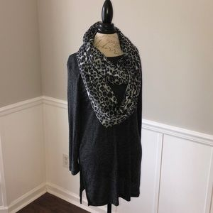 NWOT Old Navy Tunic L -FREE SCARF